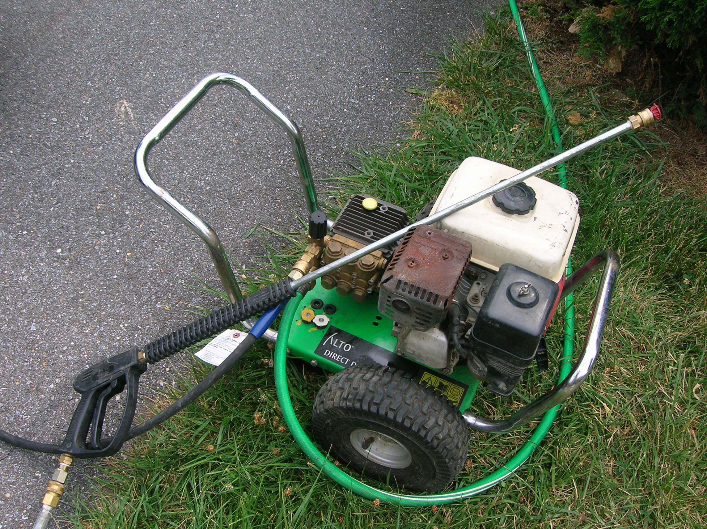 Whirl A Way 18 Rotary Flat Surface Cleaner Whirlaway 243 P in addition Adam S Foam Cannon Car Washer in addition Disc Brush V Cylinder Brush What Works Best moreover  moreover Clean Vinyl Siding On House Without A Power Washer. on pressure washing brushes